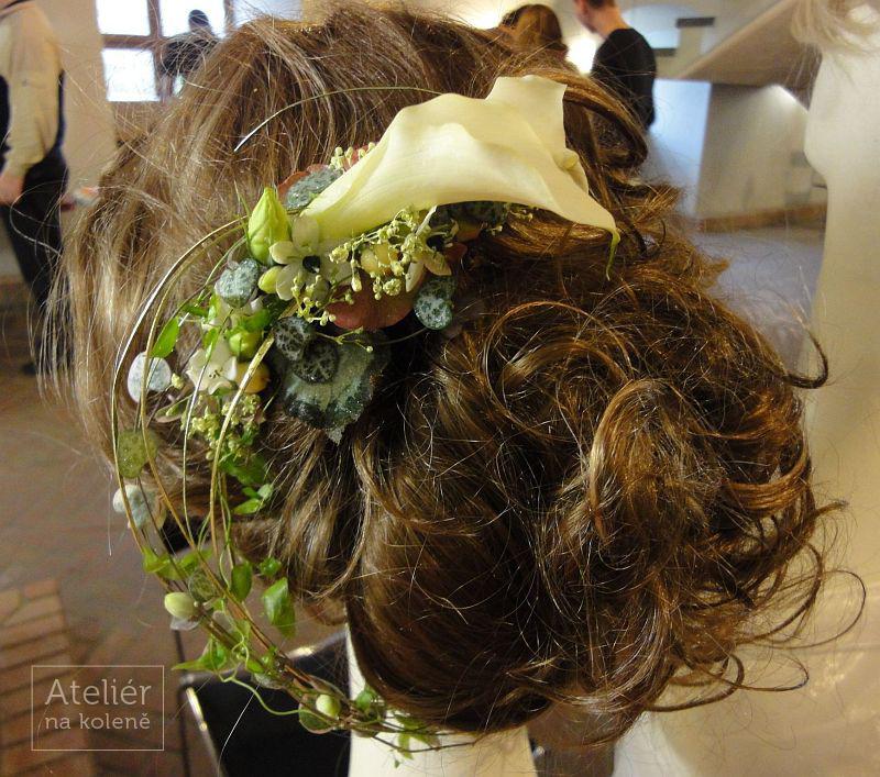 43f13d5ae2a ... Lisianthus ozdoba do vlasů z živých květin